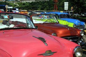 Oldtimerparade auf Kuba