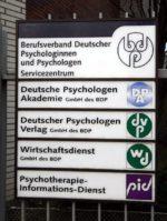 Die Bonner Zeit: 03/1985 -03/2009 Unser Haus in Bonn - Oberer Lindweg 2